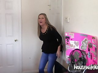A few recent Housewife Kelly clips