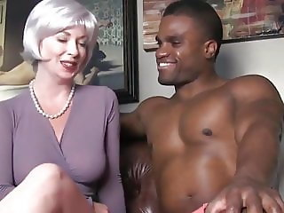 MILF seduces her first bbc on vacation