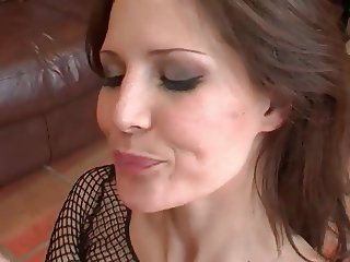 hot babe blowjob and cum swallow