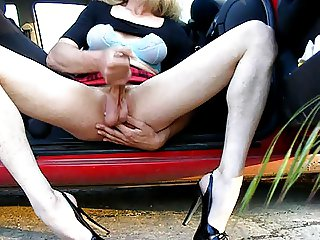 Crossdresser wanking in heels