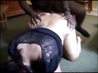 WHITE CUCKOLD COUPLES SHARED THEIR BBC WITH A FRIEND