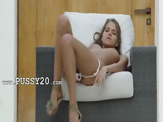 Self pleasure of beautiful USA pornstar
