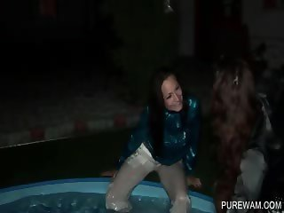 Lesbian hotties gets wet in the pool