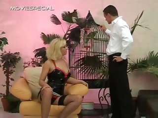 Whore in stockings blowing penis part4