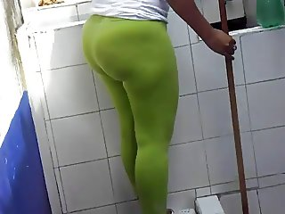 THE BIG ASS OF MI AUNT CARMEN AMARAL  CLEANING