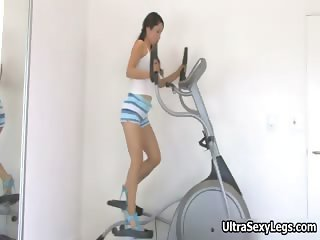 Cute asian babe doing exercise part1