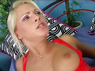Anal blond bitch has ass pounded