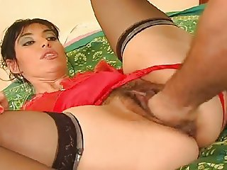 Hot babe with long lips got hard fist and fucked