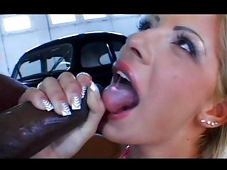 Sandra Parker sucks big black boner