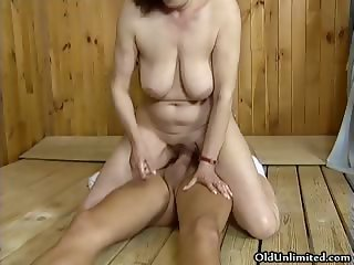 Nasty mature slut goes crazy sucking part2