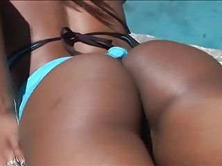 Hydie Waters Got A Monster Booty