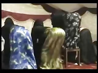 SATIN BURQA ASS DANCE