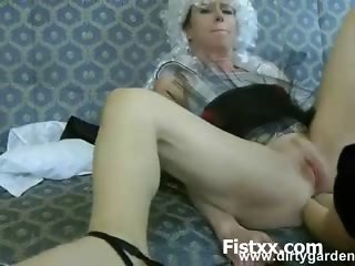 Fist Drilling For Sexy Hottie