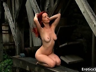 Beautiful redhead Arrel showing her part5