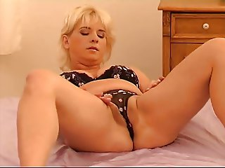 solo mature babes
