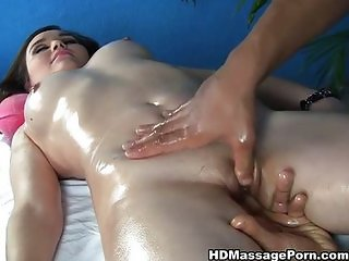 Girl with sexy curves deep pussy massage
