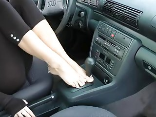 barefoot fetish leggins tease (wheelsex)