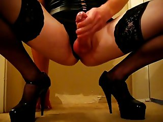 Crossdresser In Heels Cums