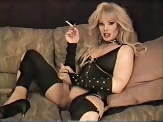 Lisa Dupree - Smoking and Stroking
