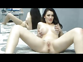 Hot Romanian Girl cums twice on webcam