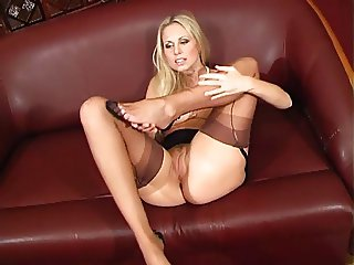 Awesome Renata Shows Off Her Nylon Covered Legs