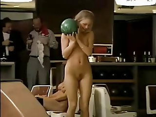 naked bowling    htb