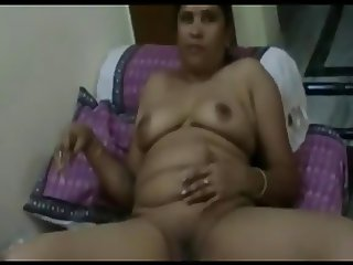 Indian Mother and not Her Daughter Suck Same Cock