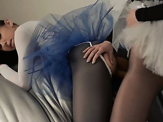 Young cheerleader gets strap on fucked
