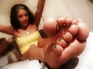 Michelle's Latina Feet JOI