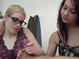Jerky Girls Violet & Ashley - Roomates From Hell