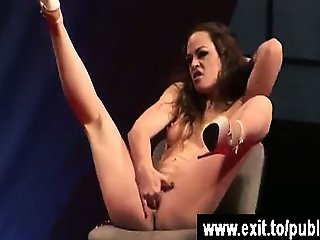 Katja shows her orgasm to a full House