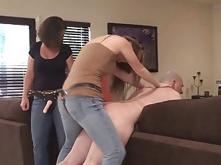 Teaching mom to fuck him