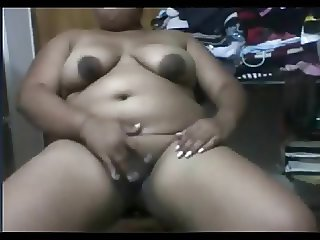 Indian BBW Bhabhi Fingers her Choot on Webcam with Me