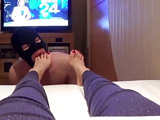 mistress relax with feet slave