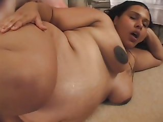 ebony slut wont let being pregnant stop her from fucking