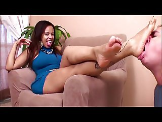 beauty ebony use foot slave