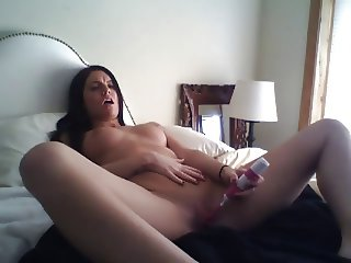 vibrating to a  nice orgasm