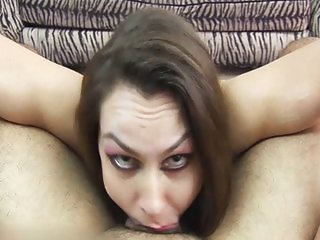 Newbie MILF gives first deepthroat