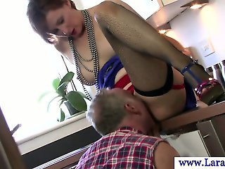 Euro mature in stockings gets pussy eaten