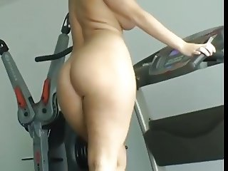 Butt Ass Naked on treadmil while wearing High Heels