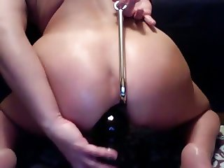 Hottie with anal hook and big toy DP