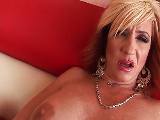 Hot MILF Brittany wants it hard