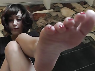 Very hot brunette feet pov