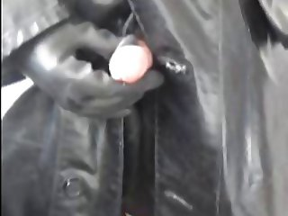 Smoking and stroking in rubber