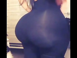 Twerking social media slut with huge juicy bubble butt