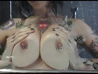 Suicide Girl Riae Posing in the Shower