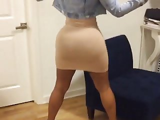 SHES THICK AS FUUUUUUUCK!