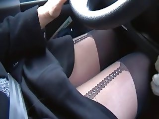 do you like hot legs while driving? 2