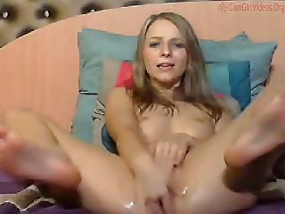 Crazy girl rub pussy so hard and squirt