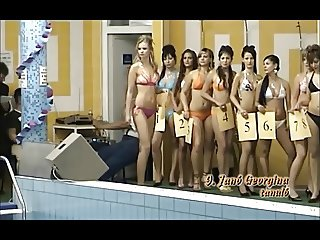 Hot teens in bikini contest! Non-nude!